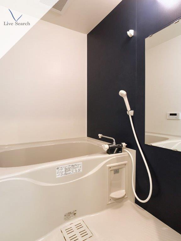 ヴィラハイネス舞鶴1号室_浴室